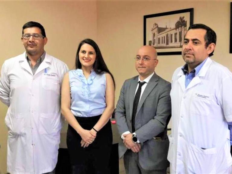 Dres. Wálter Benítez, Romina Sanabria, Cristián Miltos y Fernando Martínez