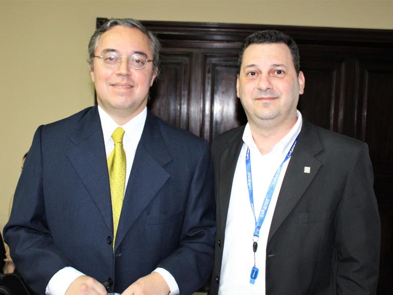 Dr. Alfredo Arriola y Sr. Gustavo Zarza