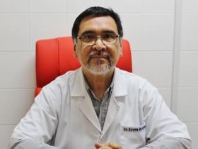 Dr. Elvio Bueno Colman